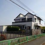 茨木市南安威1丁目中古戸建て 土地約130坪、7LDKK、ガレージ5台~6台駐車可能な2世帯可能住宅